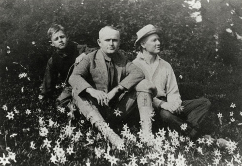 Jack (center) and Heinie (left) on a visit to Uncle Les' Tioga Lodge. (The man on the right is Unidentified.)