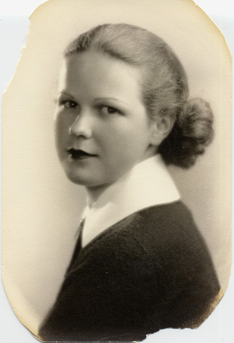Jane Ellen, about the time she met Jeff at Los Angeles High School, 1936.